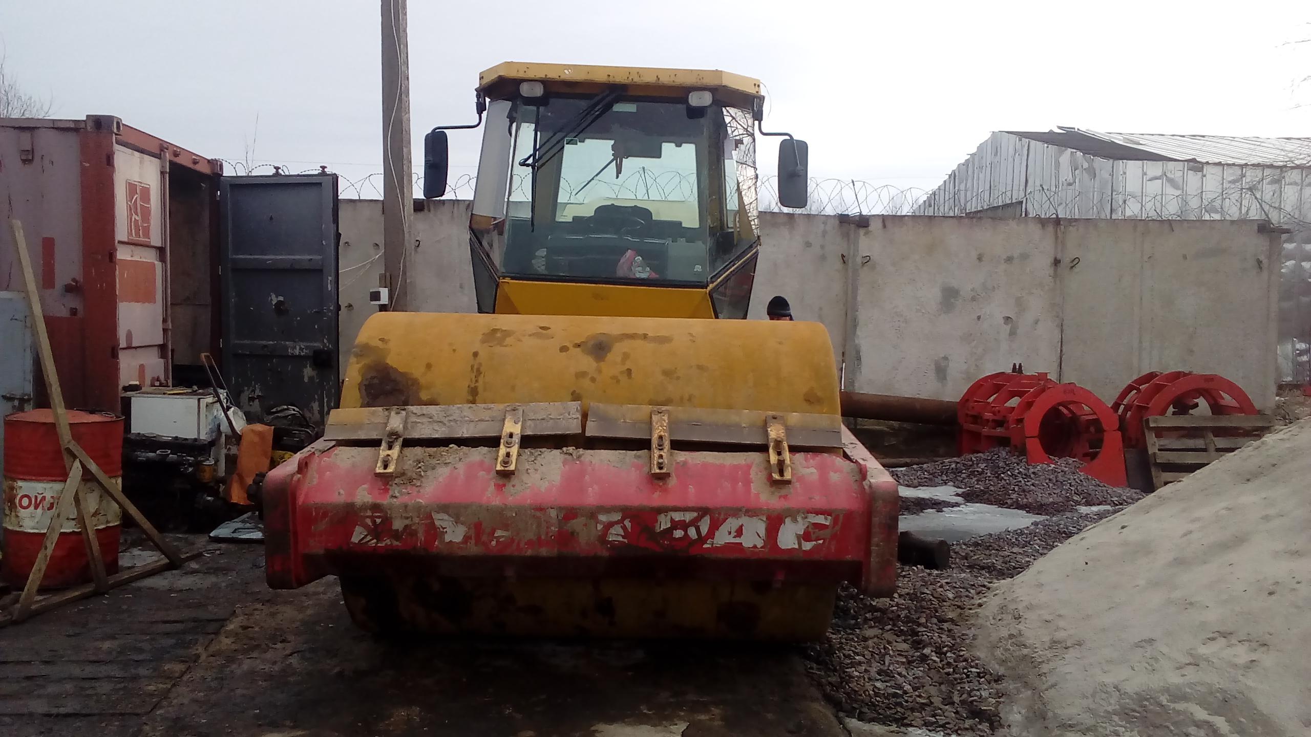Каток грунтовой 14 тонн